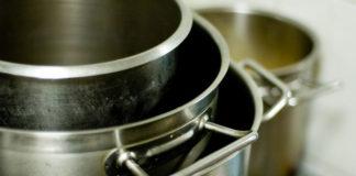 Stal nierdzewna - najlepszy materiał na meble do gastronomii