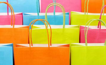 Jakie zalety gwarantuje torba papierowa z nadrukiem
